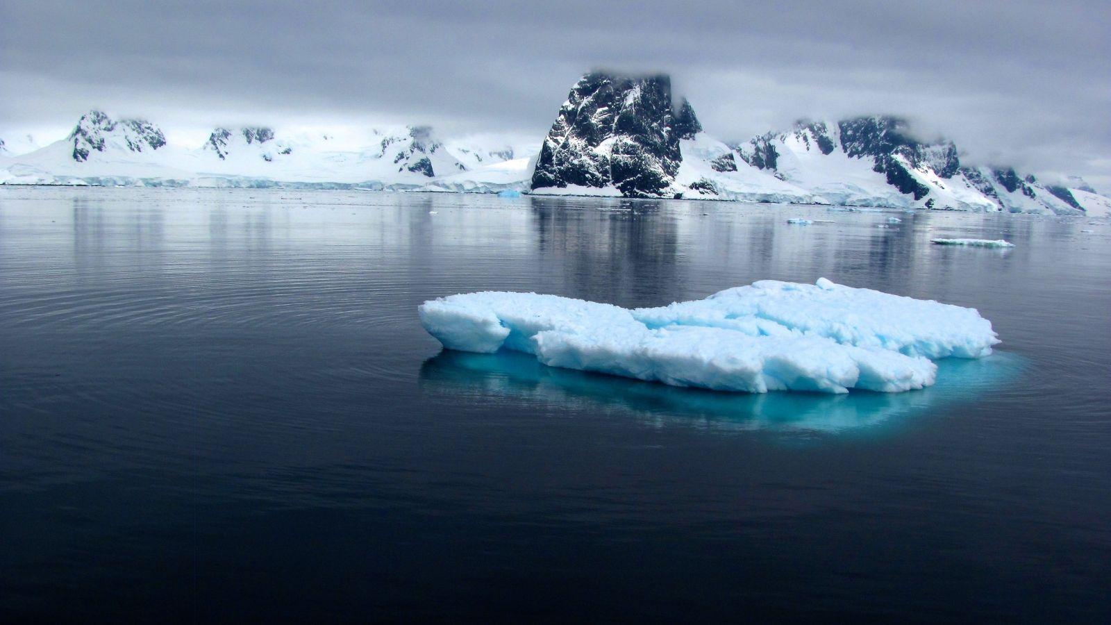 Скопление льда
