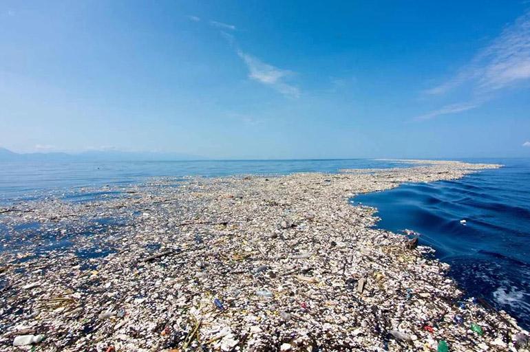 Плавучие мусорные острова